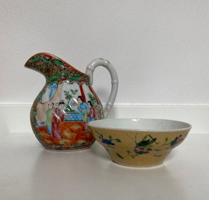 Canton milk jug & Tongzhi bowl (2) - Porcelain - Figures & grasshopper - China - Late 19th century
