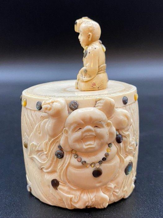 Pot - Ivory - Japan - Meiji period (1868-1912)