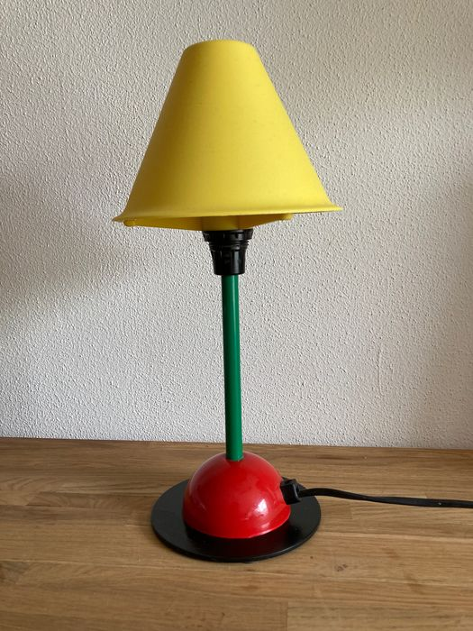 ikea lampe de table memphis style