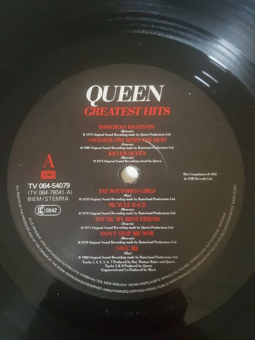 Queen A Day At The Races Titres : queen, races, titres, Queen, Différents, Titres, 1975/2011, Catawiki