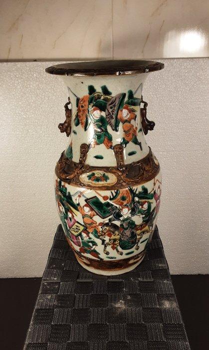 antique vase - Porcelain - war scene - China - Qing Dynasty (1644-1911)