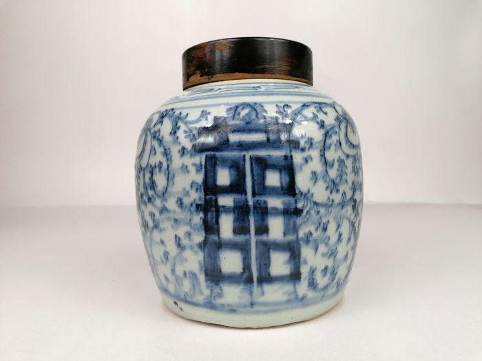 ginger jar with lucky signs - Porcelain - China - 19th century