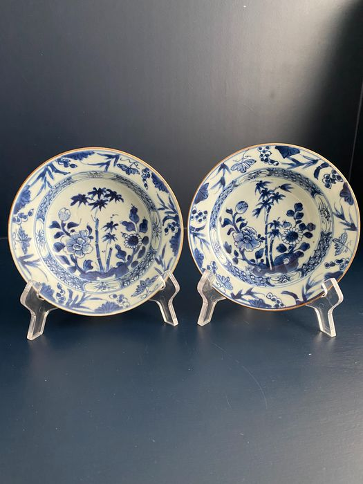 Plates (2) - Blue and white - Porcelain - Geluk - China - 18th century