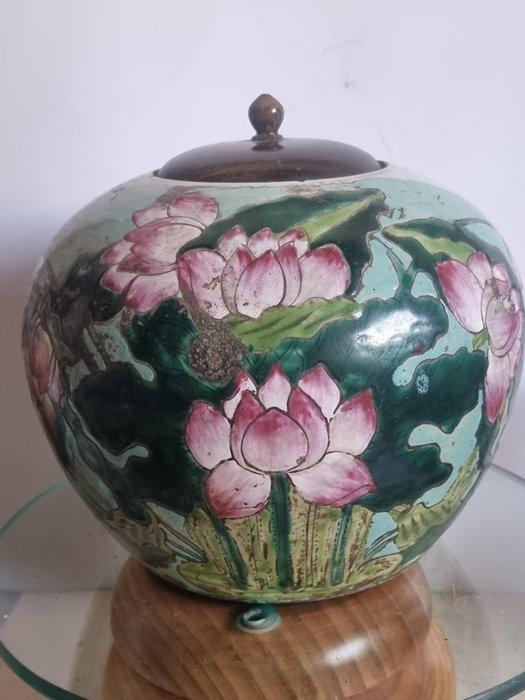 Ginger jar - Porcelain - 19th century