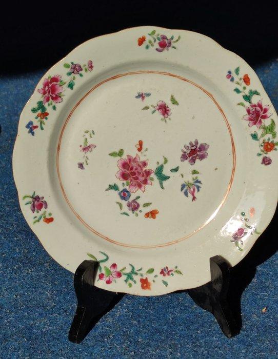 Dish (1) - Porcelain - China - Qianlong (1736-1795)