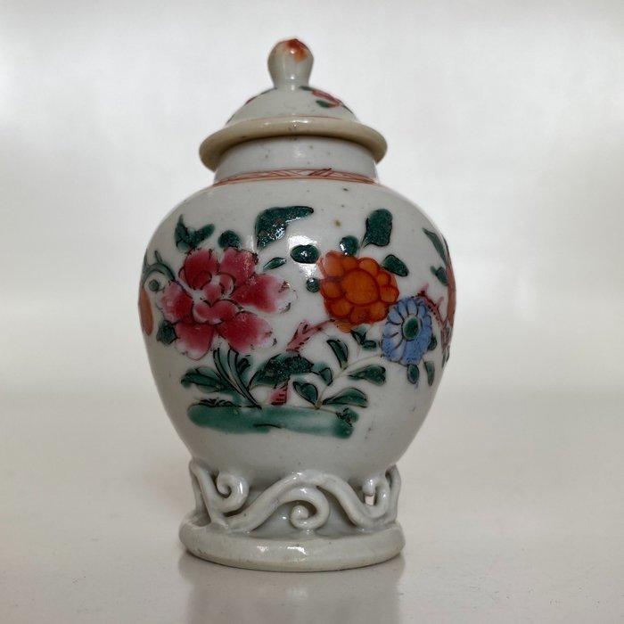 Tea caddy - fam. Rose - Porcelain - Flowers - China - Qianlong (1736-1795)