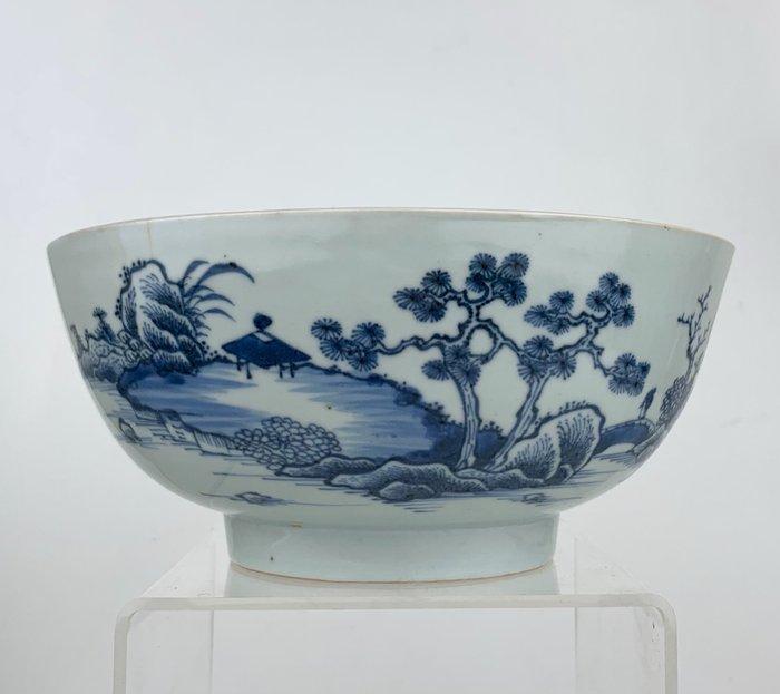 Large Nanking Cargo bowl with landscape scene - Porcelain - China - 18th century