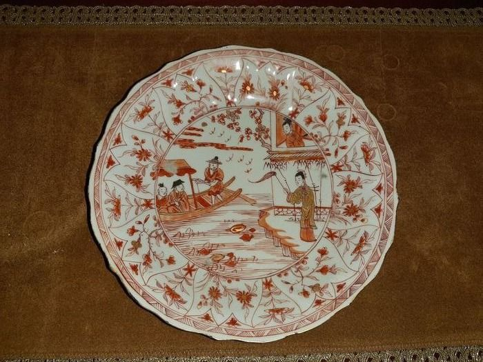chinese plate iron red (1) - Porcelain - family scene - blood and milk - China - Kangxi (1662-1722)