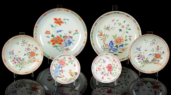 A collection of Chinese plates (6) - Famille rose - Porcelain - Chicken plate - China - 18th century