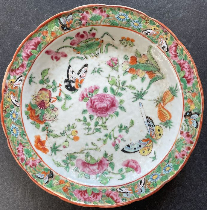 Plates (1) - Canton, Famille rose - Porcelain - China - 19th century