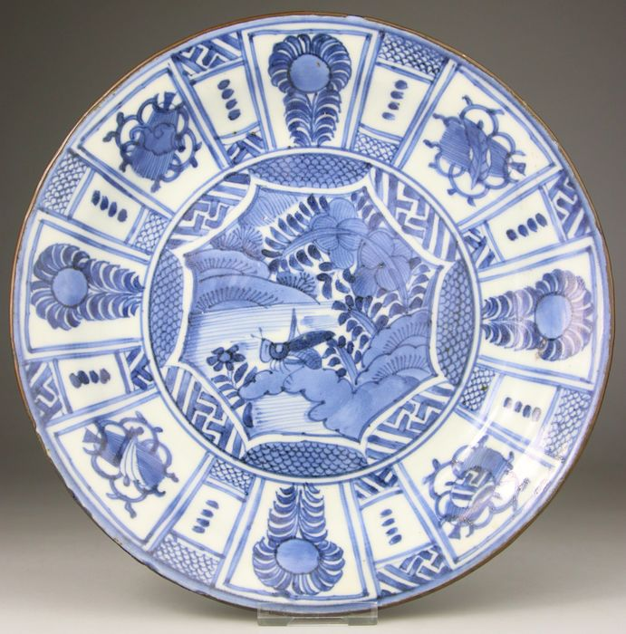 Dish, Plate - Blue and white - Porcelain - China Ming Kraak Style - Japan - 17th century