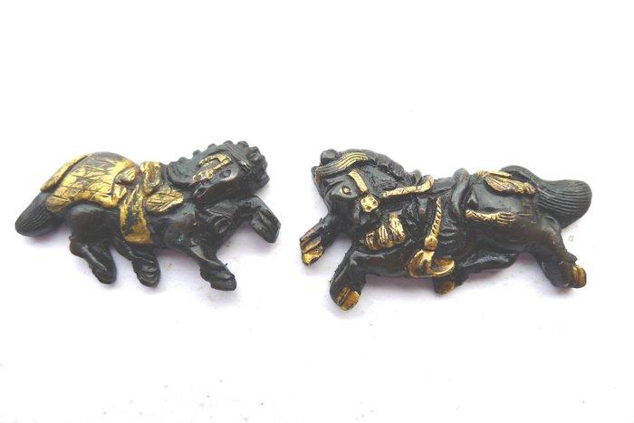 Menuki - Copper, Gold inlay - Japan - Edo Period (1600-1868)