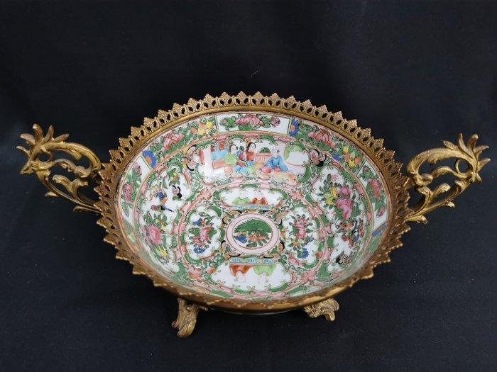 Big bowl (1) - Canton - Bronze, Porcelain - Life scene - China - Qing Dynasty (1644-1911)