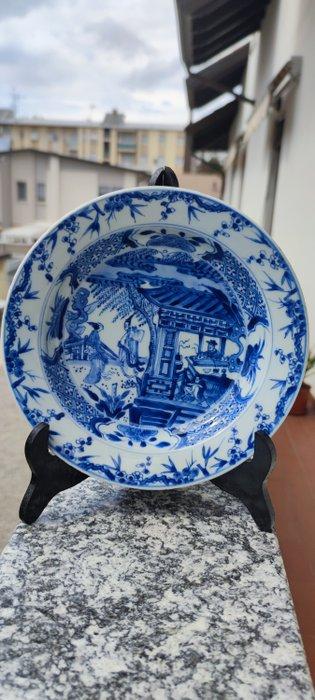 Dish (1) - Porcelain - Romance of the western chamber - China - Kangxi (1662-1722)