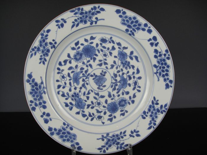 Plate - Blue and white - Porcelain - China - 18th century