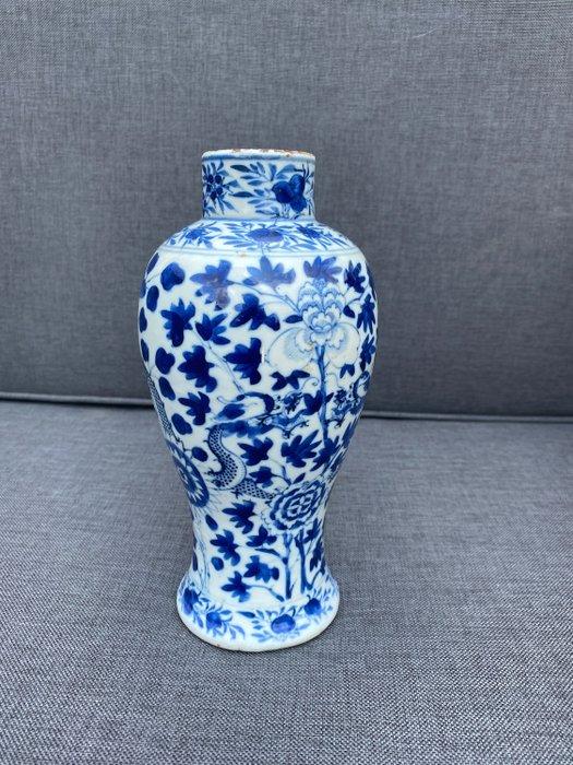 "Vase (1) - Blue and white - Porcelain - Dragon - Mooi ""Kangxi "" vaasje! 22 cm. - China - 18th century"