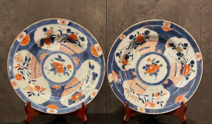 Plates (2) - Imari - Porcelain - Chinese white - China - Kangxi (1662-1722)