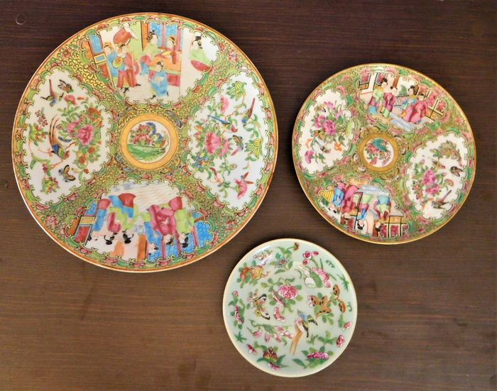 Dishes (3) - Famille rose - Porcelain - China - 19th century