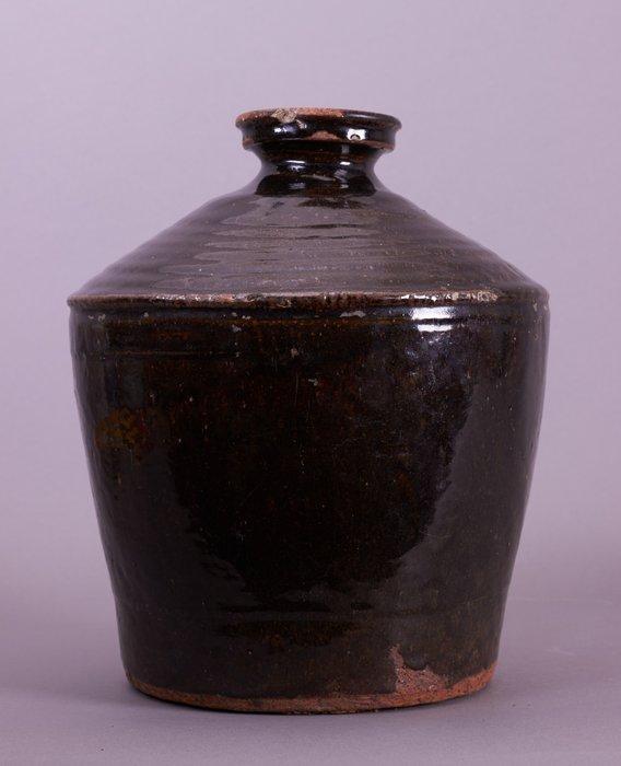 Jar - Stoneware - A CHINESE HENAN BROWN-GLAZED JAR - China - Yuan Dynasty (1279-1368)