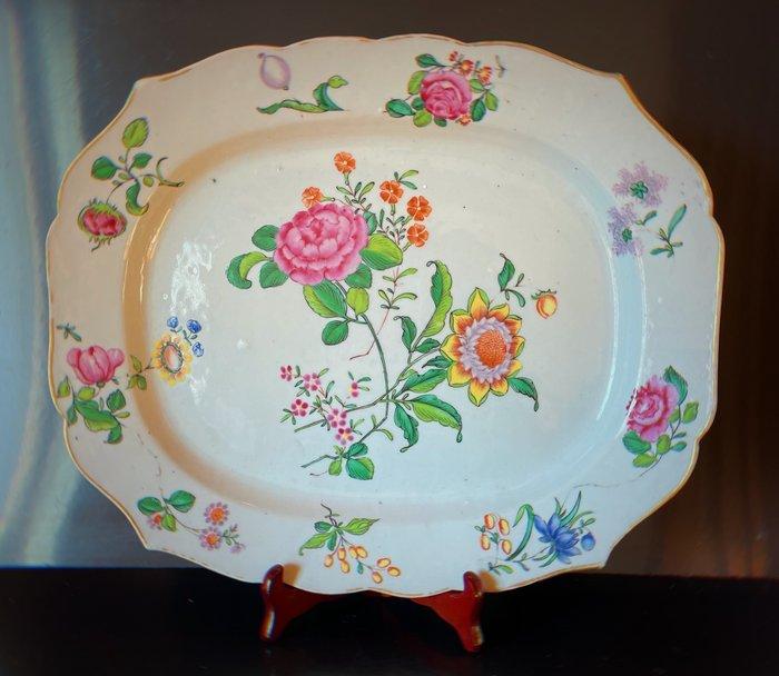 Dish (1) - Famille rose - Porcelain - Flowers - China - Qianlong (1736-1795)