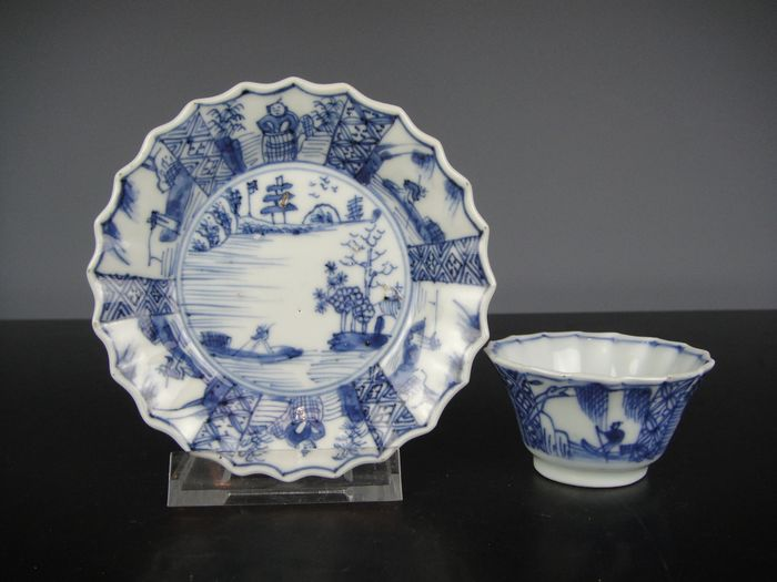 Cup and saucer (2) - Blue and white - Porcelain - China - Kangxi (1662-1722)