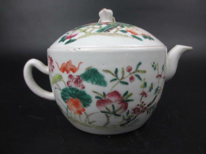 Teapot - Porcelain - China - 19th century