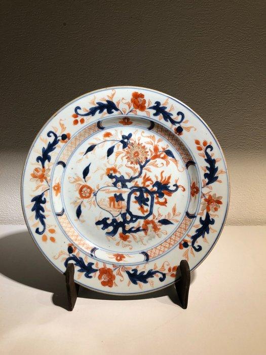 Safflower Porcelain Plate (1) - Porcelain - Beautiful flowers surround the cottage - China - 18th century