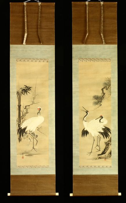 Hanging scroll painting - Silk - 'Dosetsu' 洞雪 - Crane - Twin scroll with signature and seal 'Dosetsu' 洞雪 - Japan - Meiji period (1868-1912)