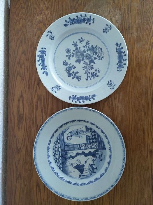 Dish (2) - Blue and white - Porcelain - Flowers - China - 18th century