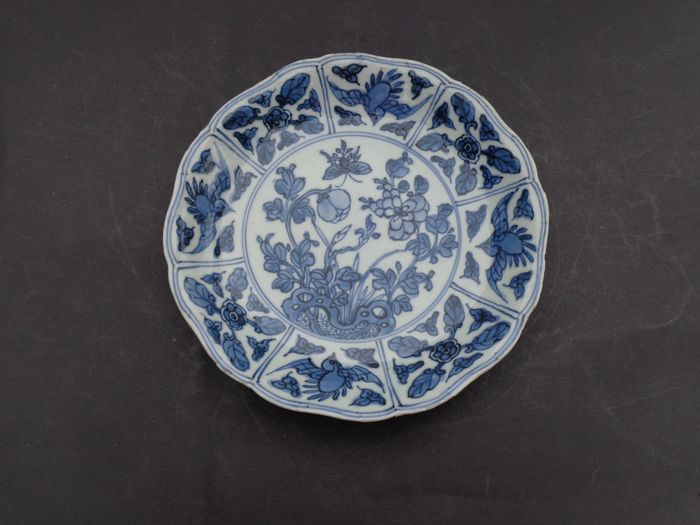 Plate (1) - Blue and white - Porcelain - Bird - vogels met vlinders - China - 17th - 18th century
