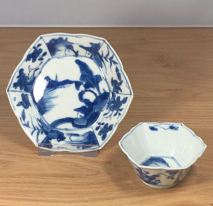 Saucer, Tea cup - Porcelain - China - Kangxi (1662-1722)