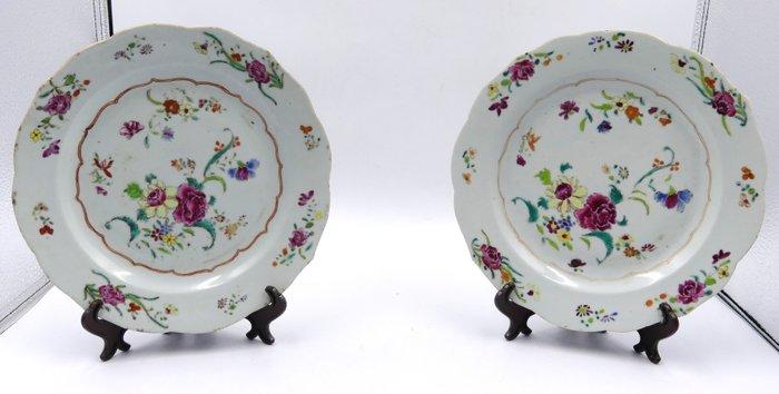 Plates (2) - Porcelain - China - 18th century