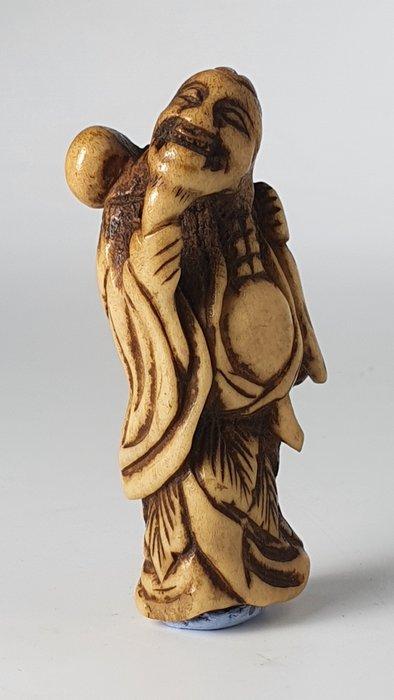 Netsuke - deer horn - shishi - Japan - Edo Period (1600-1868)