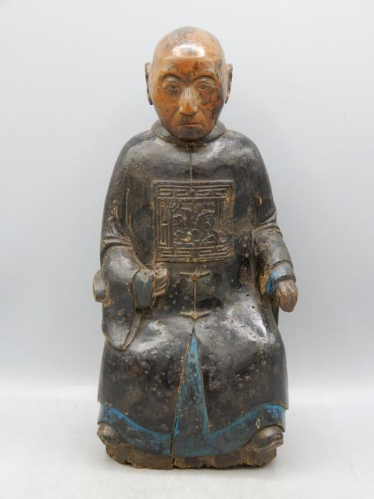Carving of a high official - Wood - China - Qing Dynasty (1644-1911)