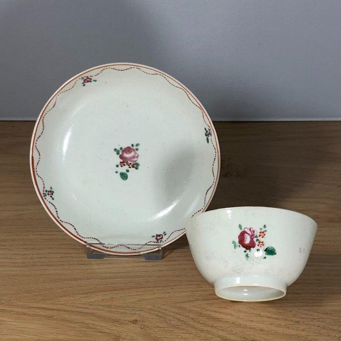 Saucer, Tea cup - Porcelain - China - 18th century