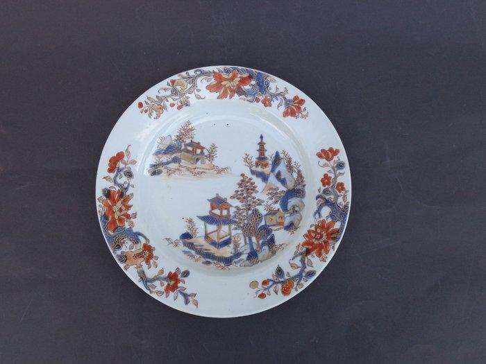Dish (1) - Imari - Porcelain - fruits Chinese onion rose hip and fruit , - Kangxi periode 1662--1722 - China - 18th century