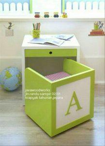meja_belajar_kecil_unik
