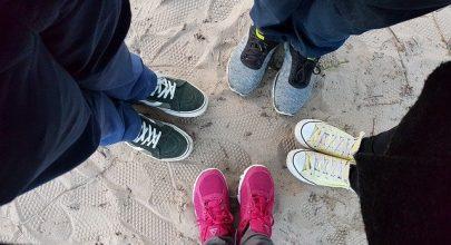 Rekomendasi 10 Sneakers Cassual yang Modis dan Trendy