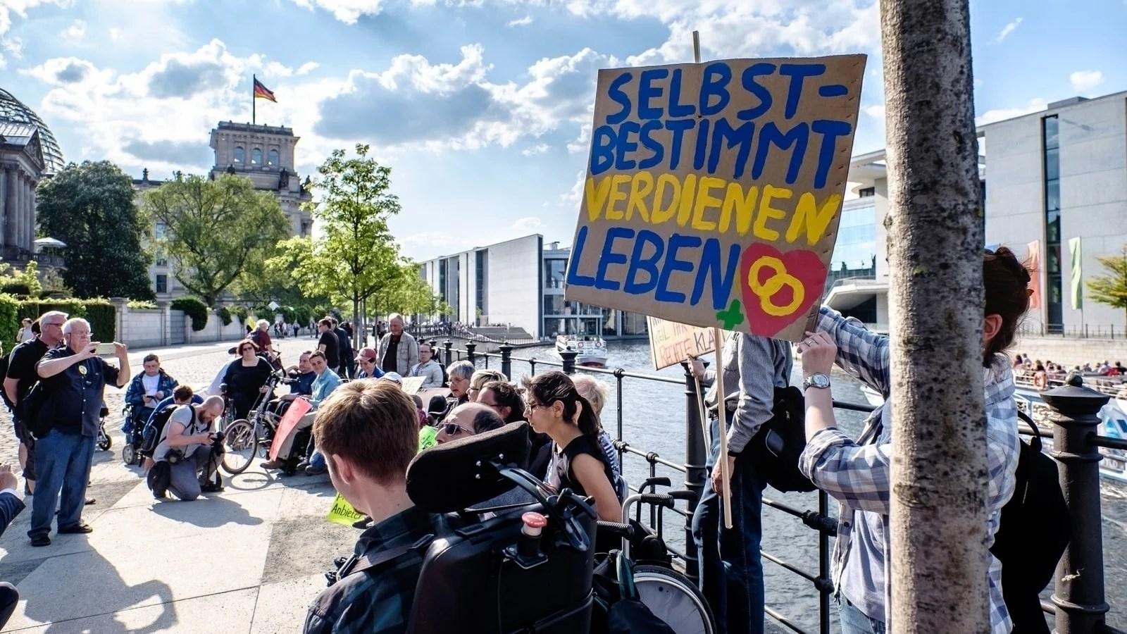 Recht auf Sparen und für ein gutes #Teilhabegesetz - jetzt, Schäuble und Nahles!