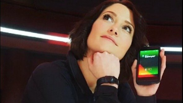 Petition  gays Alex Danvers to survive Supergirl Thats