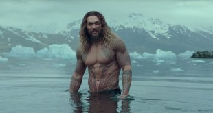 Justice League : Jason Momoa sexy en Aquaman
