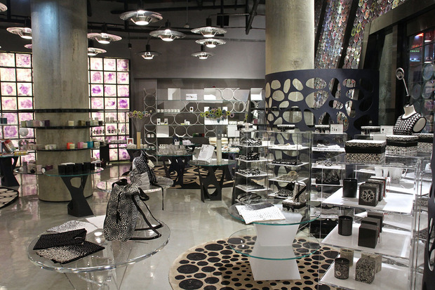 cd09e33f523c In partnership with Trendy International Group, 10 Corso Como Shanghai has  unsurprisingly found its location on Nanjing West Road. The newly-opened  concept ...