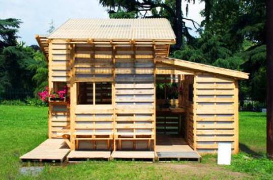pallet building, local building materials, disaster housing, emergency housing, I beam, emergency shelter, pallet constructions,green building materials