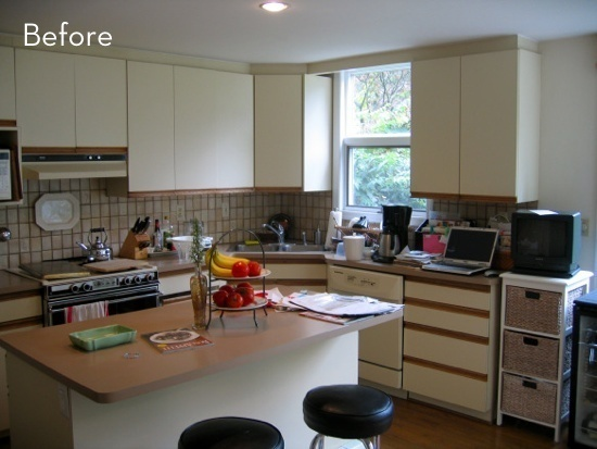 Before and After An 80s Kitchen gets a Major Makeover