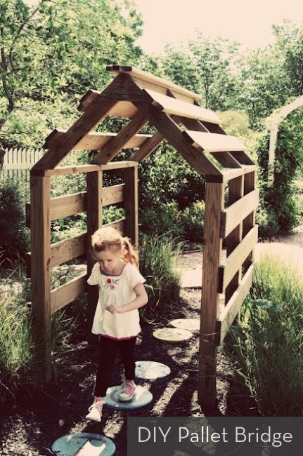 DIY wood pallet play area bridge