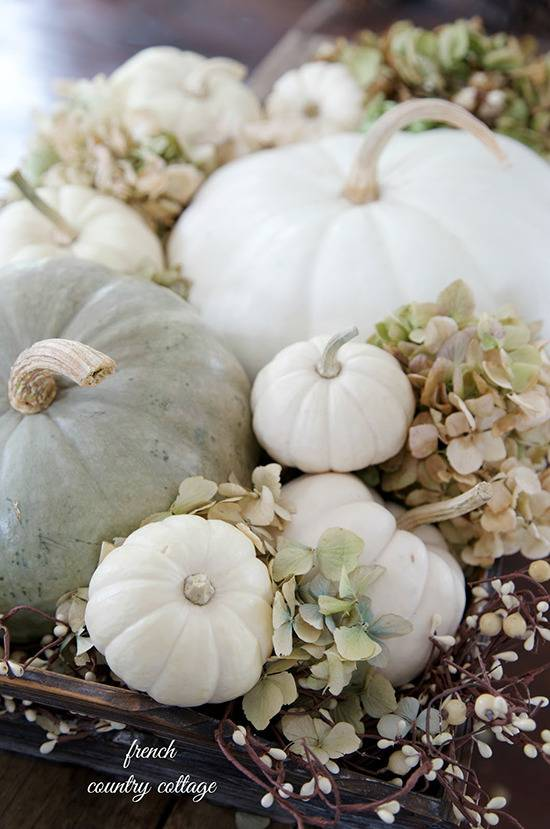 Natural thanksgiving table decor