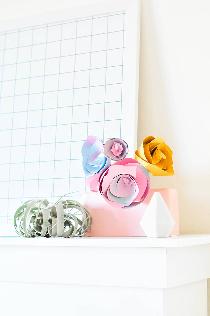An easy-to-make bouquet of paper roses!