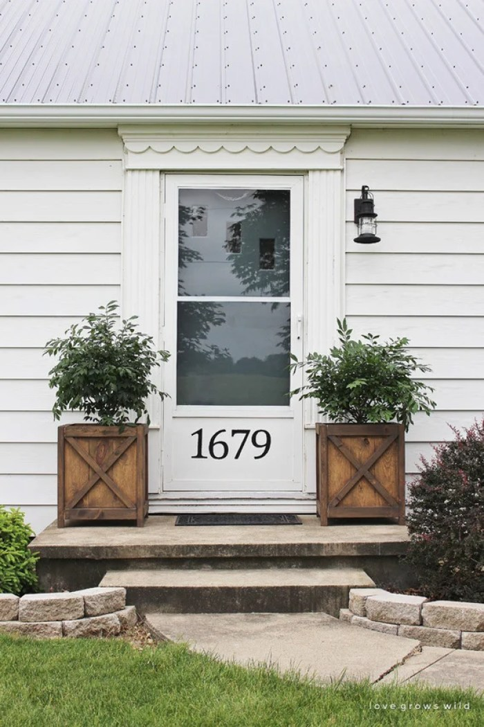 10 Quick Exterior Curb Appeal Fixes to Mask the Ugly
