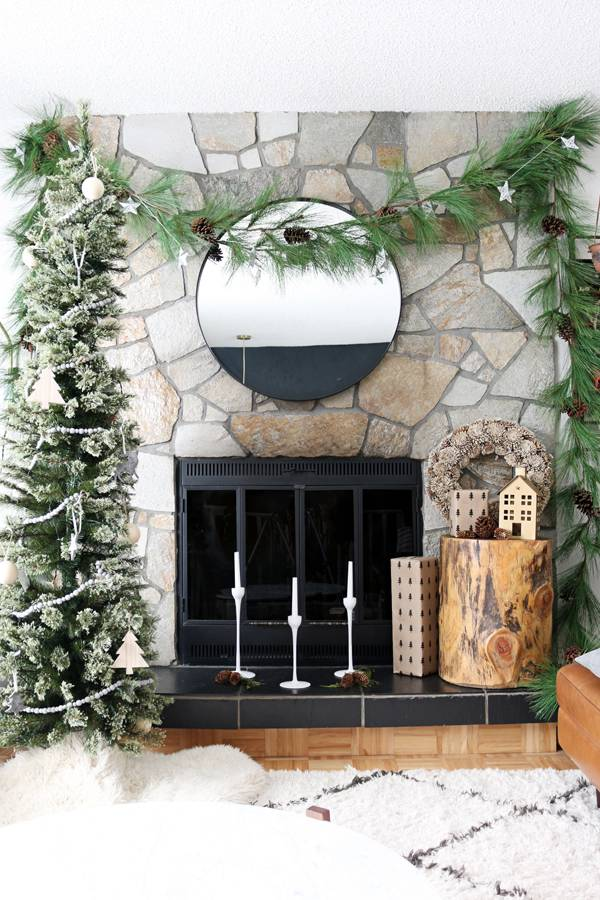 Christmas Mantle Makeover: No Mantle, No Worries