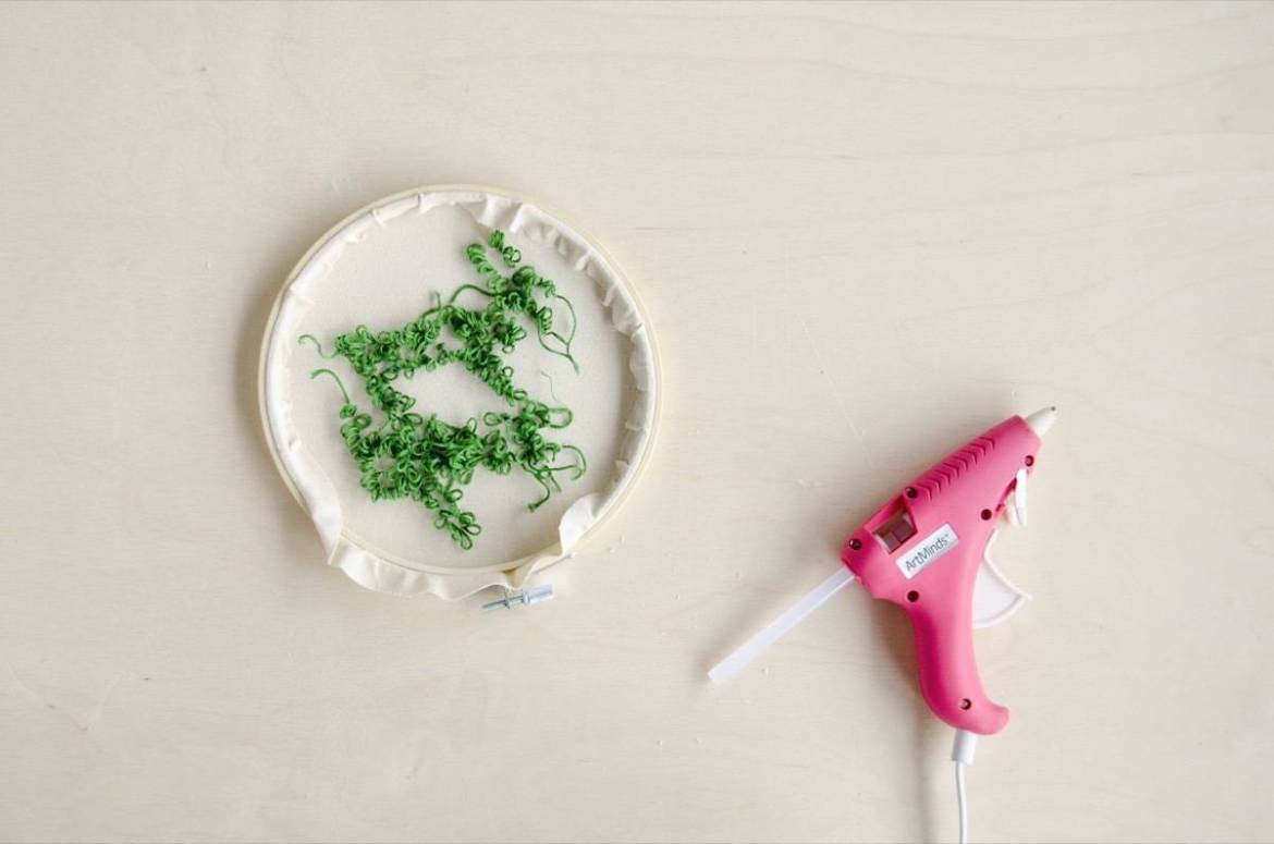 How to frame an embroidery piece in a hoop